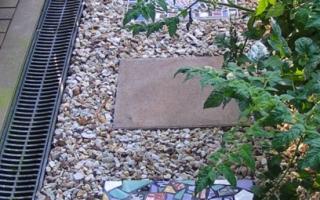 Мозаика в саду: садовый декор своими руками